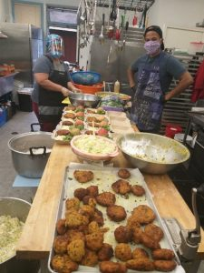 community dining volunteers